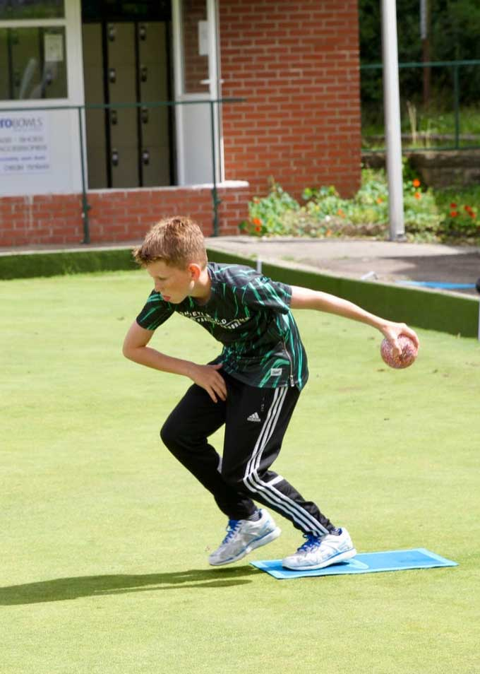 Teen Bowlser, Boy playing bowls, BowlsWales